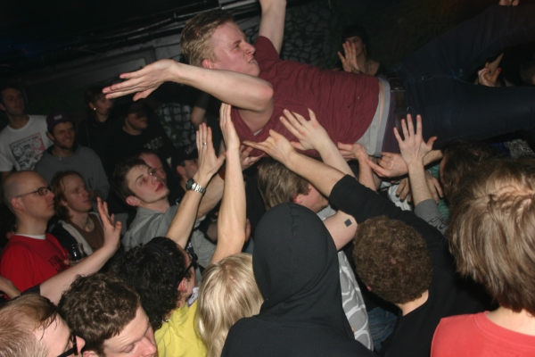 The crowdsurfing revival.
