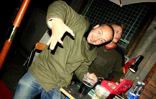 And here it is again, oh my! At the Ohoi! party at Basement, June 4th 2006. Pic courtesy of Vitus!